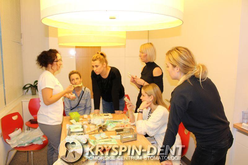 Od ekstrakcji do implantacji - szkolenia dentystyczne w Gdańsku - Kryspin Dent